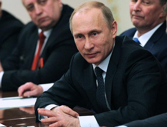 Эксперты сошлись в том, что клевета на российского президента выгодна Западу. 320343.jpeg
