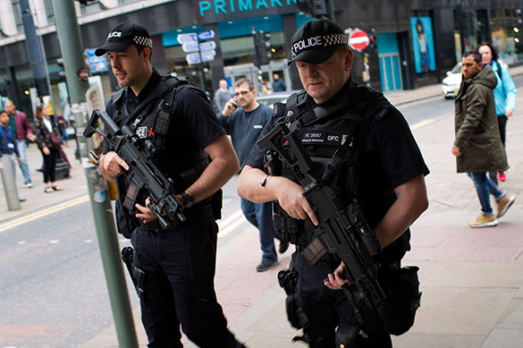 В Манчестере полиция взорвала подозрительный предмет в ходе рейд