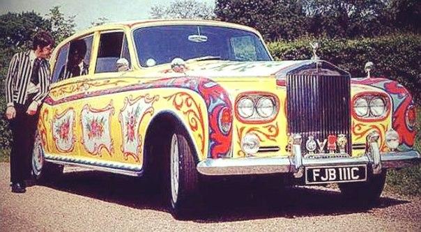 Автомобили знаменитостей, которые были проданы за миллионы. 404343.jpeg