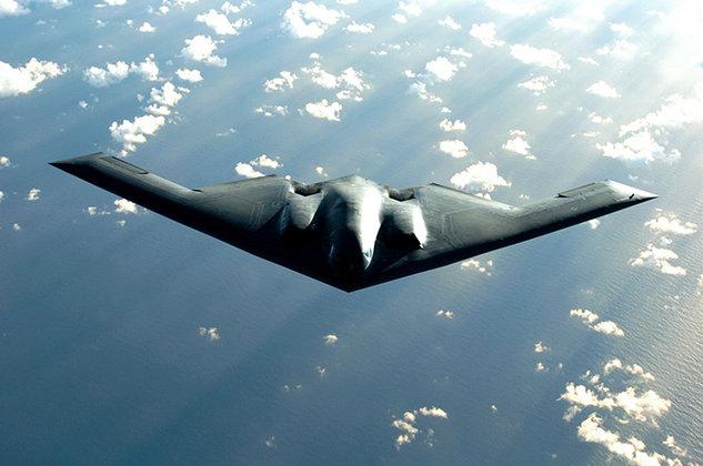 Холодная война не началась, считает Виталий Чуркин. Летающее крыло B-2 Spirit