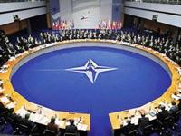Лавров: Россия против искусственного расширения НАТО