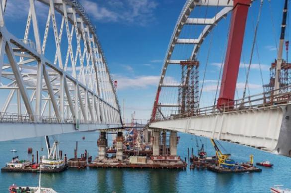 Западные СМИ поражены: Крымскому мосту рады даже украинцы. крымский мост