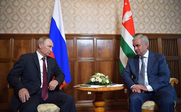 Путин: Россия до 2019 года инвестирует в Абхазию шесть миллиардов рублей. 373348.jpeg