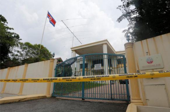 Напавшие на посольство КНДР оказались вооружены игрушечными пистолетами. 402348.jpeg