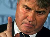 Сборной России не стоит расслабляться, считает Хиддинк