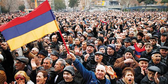 Демарши в Армении - дело рук США - политолог.
