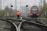 Под Петербургом произошел разлив топлива из-за аварии поезда
