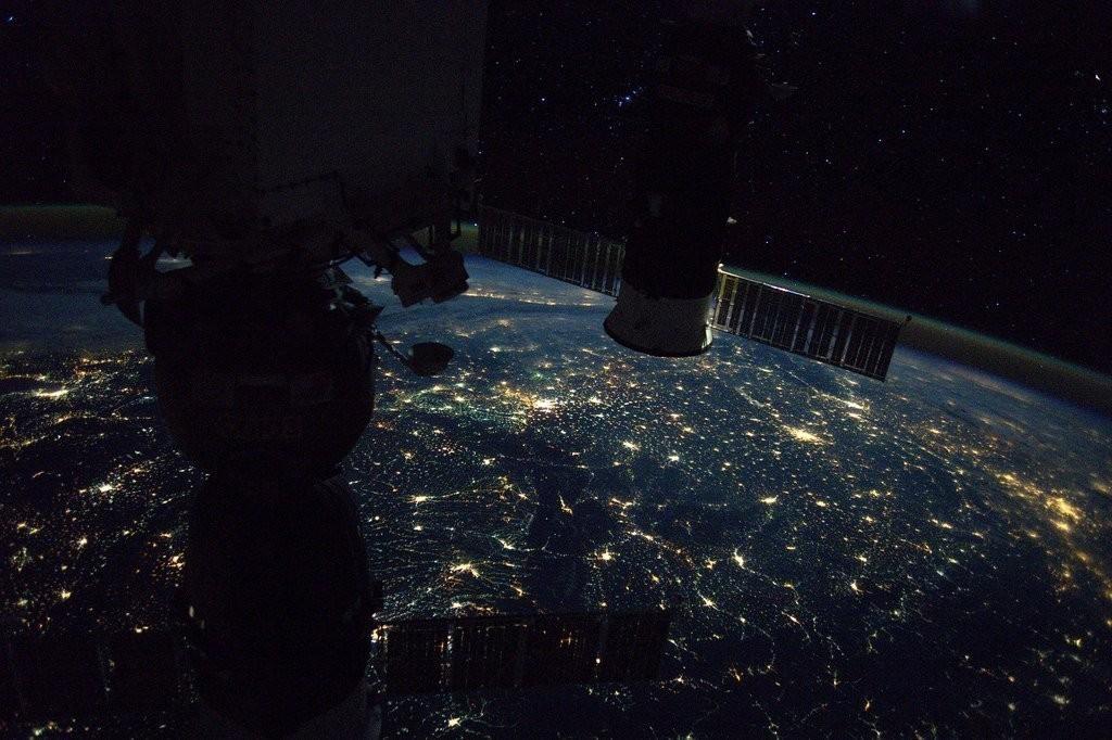 Китайский космолет сгорел в атмосфере Земли. Китайский космолет сгорел в атмосфере Земли
