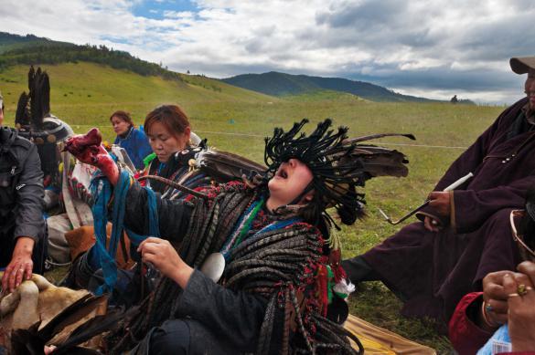 Бурятские шаманы возмутились обрядом сжигания верблюдов в поддержку России. 399354.jpeg
