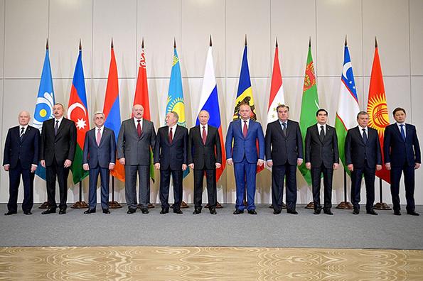 Саммит СНГ: семейный корпоратив с алабаем Путина. Саммит СНГ в Сочи: центральной фигурой стал алабай