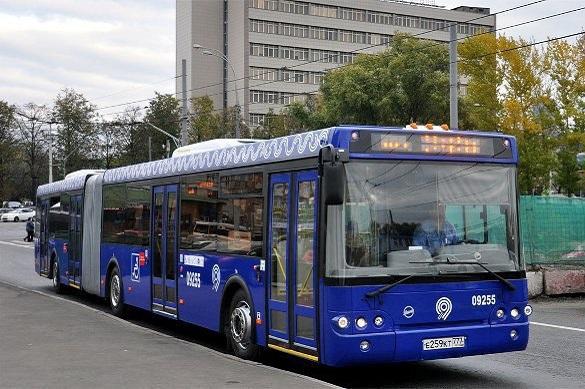 Неизвестный в Москве обстрелял пассажирский автобус. Неизвестный в Москве обстрелял пассажирский автобус