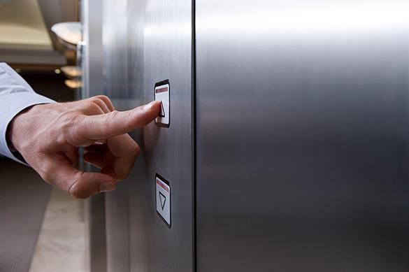Прибалтийский депутат назло России отказался от лифта