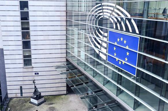 В ЕС опровергли информацию о начале расследования в отношении Порошенко. 401358.jpeg