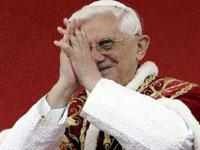 Папе Римскому подарили цифровую камеру