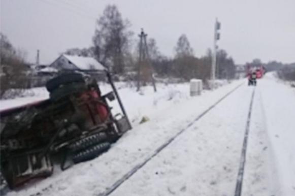 Поезд столкнулся с бензовозом в Калуге. Поезд столкнулся с бензовозом в Калуге
