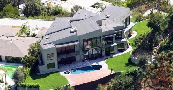 Мировые знаменитости с самой дорогой недвижимостью. 404370.jpeg