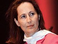 Оппонент Саркози получила письмо с угрозами