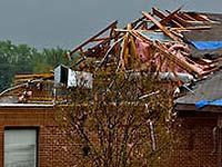 В Казахстане ветер сорвал крышу с роддома