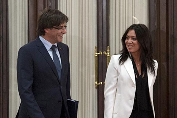 Первой леди свободной Каталонии станет молдавская журналистка. Первой леди свободной Каталонии станет молдавская журналистка