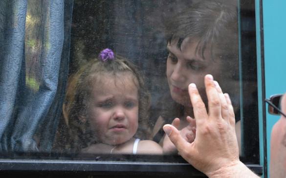 Украинские военные обстреляли автобус с детьми на границе с Россией. 293382.jpeg
