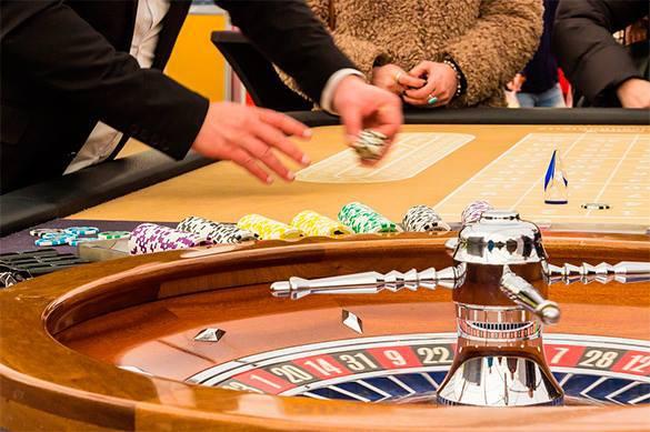 Сотрудники Пентагона растратили миллионы на казино и стриптиз