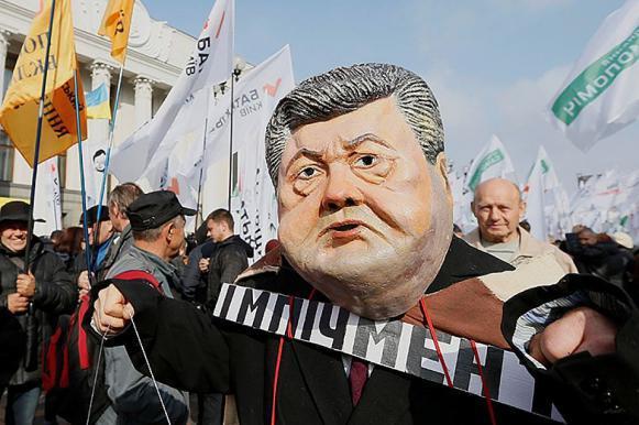 Многотысячный митинг за отставку Порошенко проходит в Киеве. Многотысячный митинг за отставку Порошенко проходит в Киеве