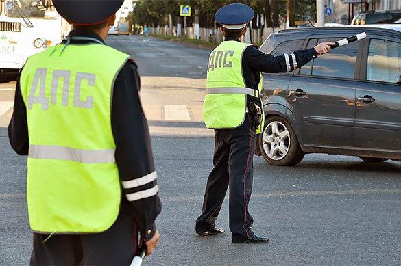 Сотрудникам ГИБДД разрешено курить при общении с водителями. 377383.jpeg