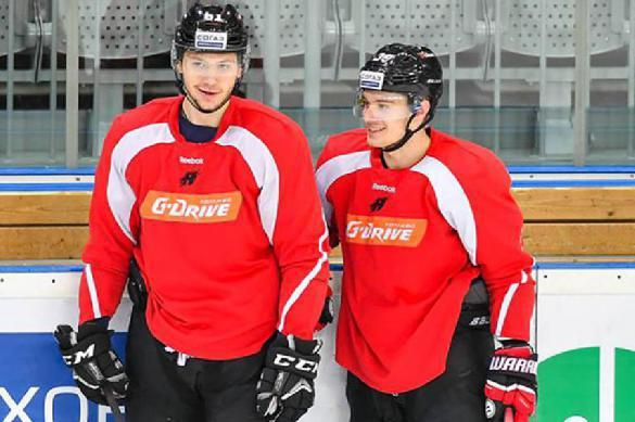 Упавший на льду футбольный тренер из Португалии похвалил российский хоккей. 398383.jpeg