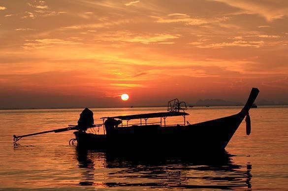 Жительница Шанхая больше суток находилась в море после падения с