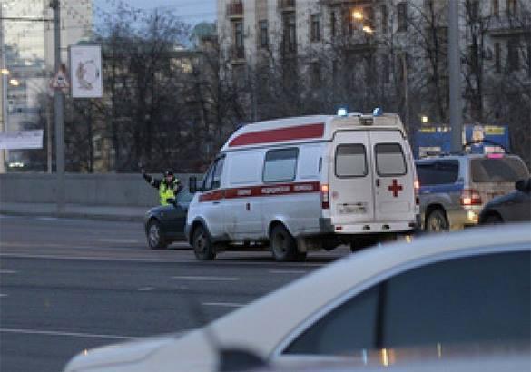 ЧП в центре Москвы: Отвалился кусок фасада дома. Есть пострадавш