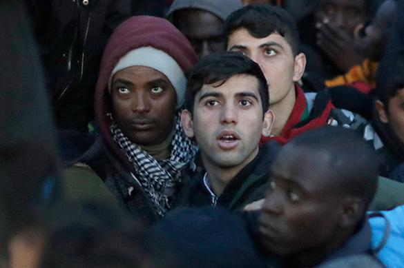 Власти Франции эвакуируют лагерь беженцев в Кале