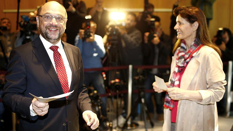 Претендент на пост канцлера Германии Мартин Шульц проголосовал на выборах. Претендент на пост канцлера Германии Мартин Шульц проголосовал н