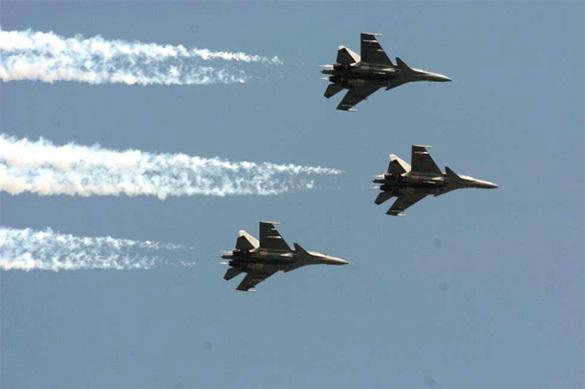 Китайские летчики поиздевались над американским пилотом в небе
