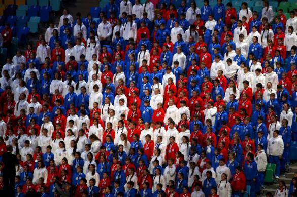 """Российские фанаты """"взорвут"""" Олимпиаду гимном """"а капелла"""". Российские фанаты взорвут Олимпиаду гимном а капелла"""