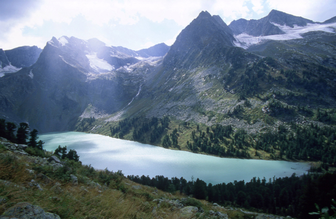 Уникальное озеро обнаружили в Хакасии