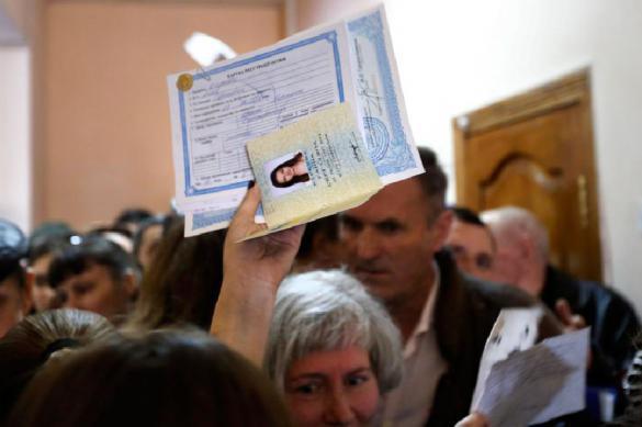 Соцсети: жителям Донбасса выдадут российские паспорта. 401395.jpeg