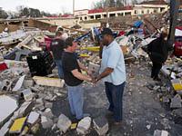 Жертвами торнадо и шторма в США стали два человека. торнадо