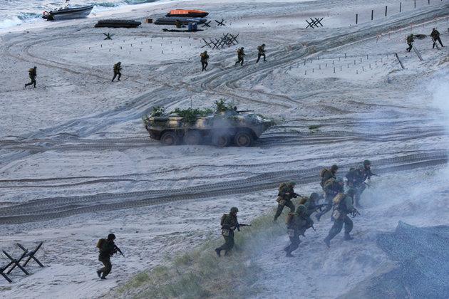 Предупредив ОБСЕ, армия России начала массированое развертывание. 293396.jpeg
