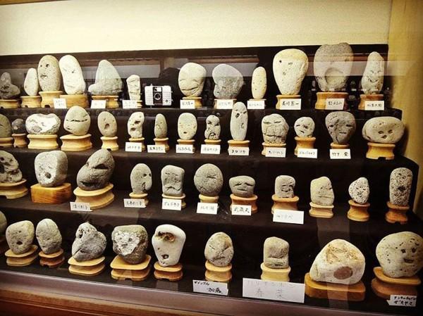 В Японии коллекционирую лица известных людей