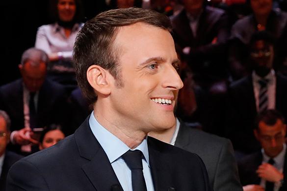 Макрон побеждает на выборах во Франции с большим отрывом