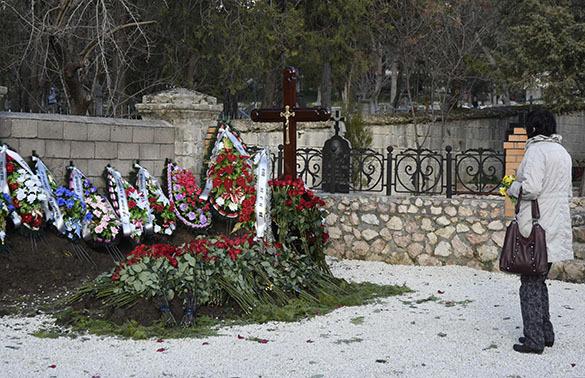 Виктора Януковича-младшего похоронили в Севастополе. Янукович