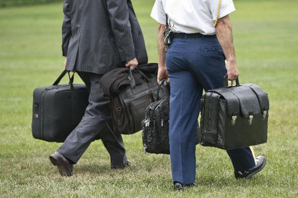 Охрана Си и Трампа подрались из-за ядерного чемоданчика. 383398.jpeg