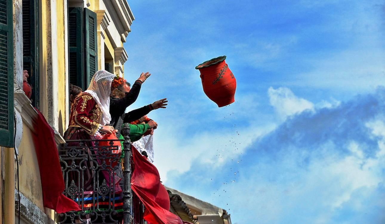 Как праздник Светлой Пасхи проходит в Греции. Пасхальные традиции в Греции