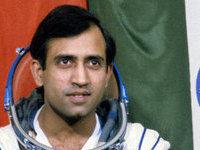 В Индии верят, что их космонавт летал на Луну. india