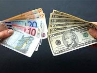 Доллар и евро подешевели до 4-месячных минимумов