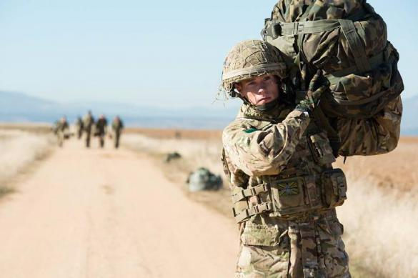 """""""Боевая Барби"""" раскрыла неистовые унижения в британской армии. Боевая Барби"""