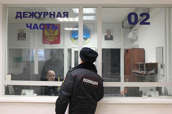 В Петербурге водитель избил школьника и швырнул в него самокатом