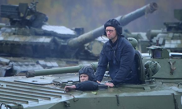 Яценюку не выгоден мир, ему необходима война - эксперт. яценюк премьет-министр Украины