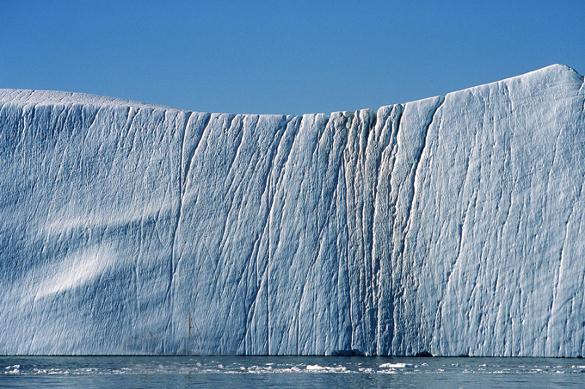 Айсберг размером в три Москвы двинулся в сторону Южной Америки. Айсберг размером в три Москвы двинулся в сторону Южной Америки