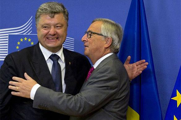 Глава Еврокомиссии Жан-Клод Юнкер и Петр Порошенко